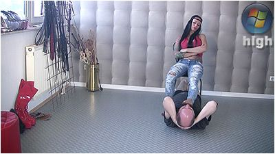 78504 - Lick My Flipflops YOU Filthy Pig - Lady Chantal