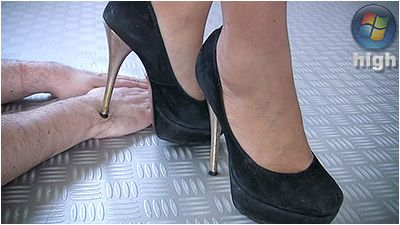 79189 - Flattened Hands - Fernanda