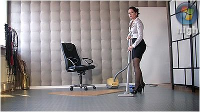82039 - Cleaning And Vacuuming - Lady Danica