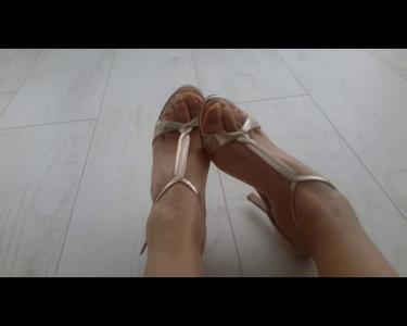 108324 - Worship My Golden Heels