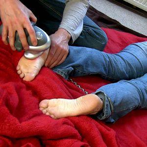 109540 - Massaging my cuffed jeans girl