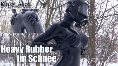 113062 - Heavy Rubber im Schnee  -  Heavy Rubber in the snow