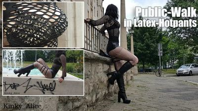 113416 - Public-Walk in Latex-Hotpants