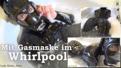 123403 - In the whirlpool with my gasmask