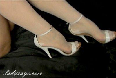 21171 - White Seamed Stockings