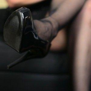 122034 - Lick my heels!