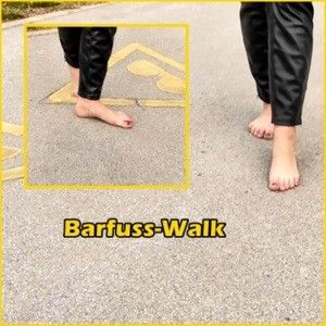 134148 - Barefoot Walk - Admire my feet