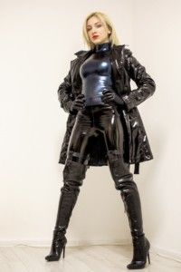 143571 - Mistress in latex humiliates, face sitting and whipping POV