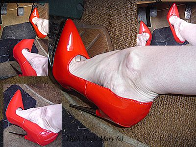 11321 - 6 inch killer spike heels pedal pumping in the city
