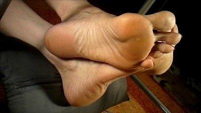 168081 - Huge Feet 6