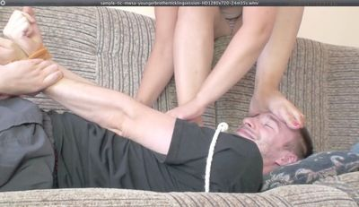 17690 - YOUNGER SIS TICKLING SESSION