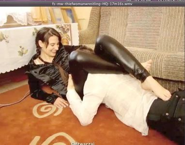 41555 - THIEF WOMAN WRESTLING