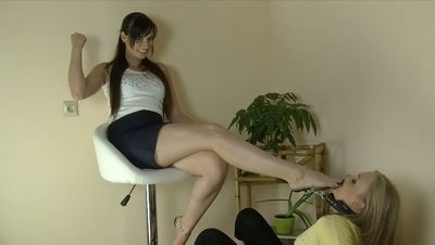 54554 - LICK MY FILTHY FEET YOU SLAVE GIRL