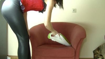55717 - NINA WILL CLEAN YOUR ROOM - HAND VACUUM CLEANER