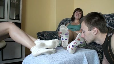 56299 - DIRTY SOCKS WORSHIP AND FOOT REST