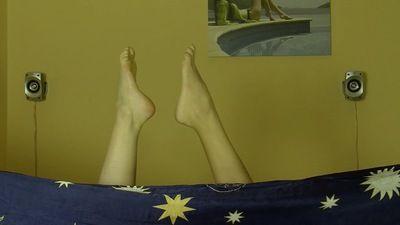 60764 - 2 GIRL FOOT ORGASMS