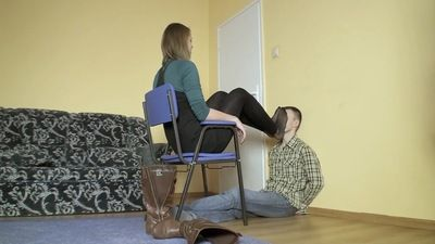 66087 - SMOTHERED BY BIG STINKY FEET