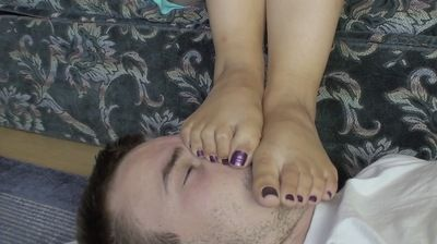 66218 - LIKE TO WATCH HOW YOU FOOT SMOTHER HIM - B - BARE PART