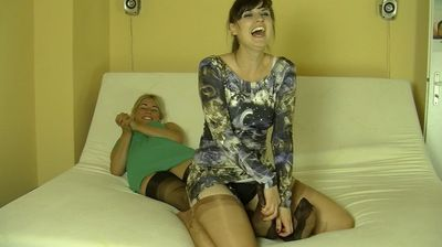 66226 - NYLON TICKLING - B - ROXANA VERSION