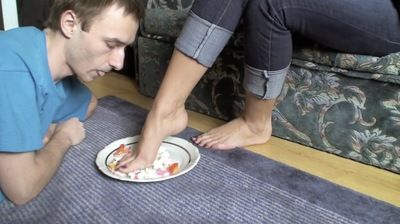 66377 - EAT CAKE FROM MY FEET