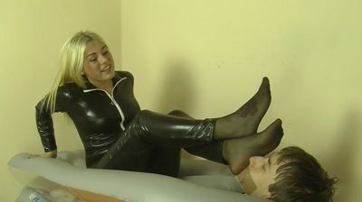 67806 - HUMAN FURNITURE