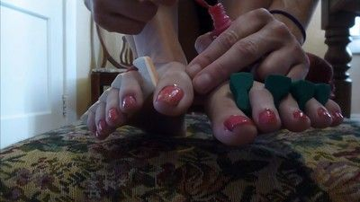 108038 - Pinky Toes - MP4 HD