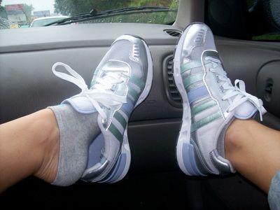 13952 - My sweaty sneakers & Socks