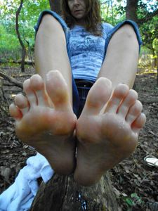 23174 - Cleaning Dirty Feet in the Woods