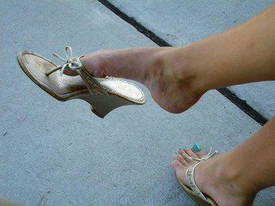 23449 - Dangling my Shoes - HD