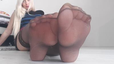 119873 - Smelly Stockings Addiction
