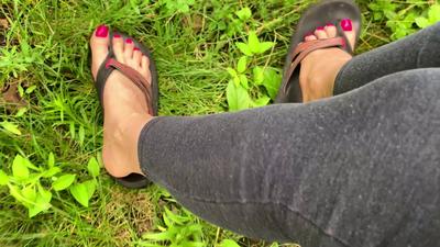 151428 - Worn Flip Flops JOI