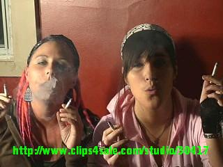 21276 - Veeka & Faith on party drinking and smoking (french )