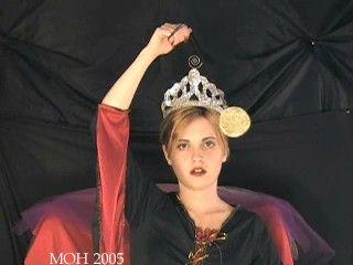 23705 - Queen of Halloween