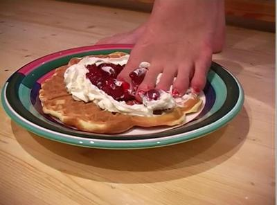 21573 - Waffle with Cherry and Cream under her feet
