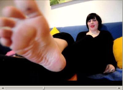 21788 - sweaty socks in chucks
