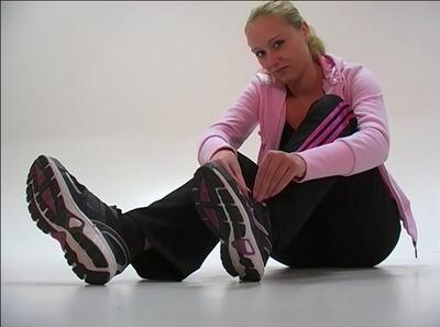 21839 - Nike sneaker in photostudio