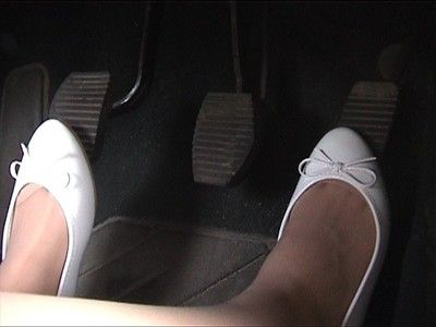 2678 - White ballerinas driving
