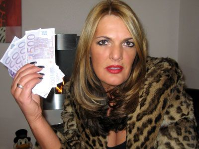 19246 - Lady Chantal in: Be my paypig - Full version
