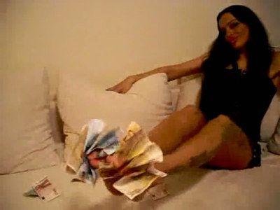 43085 - Racy Cash Diva Latoria wants your money paypig