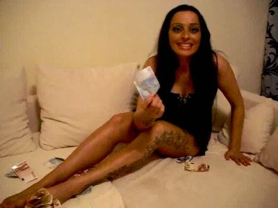 43089 - Racy Cash Diva Latoria wants your money paypig