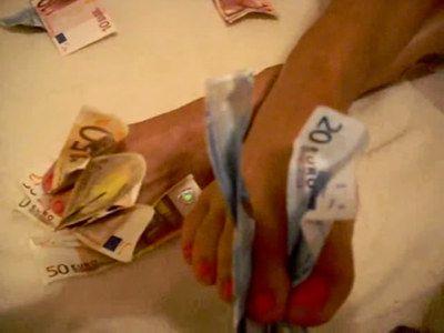 43133 - Racy Cash Diva Latoria wants your money paypig
