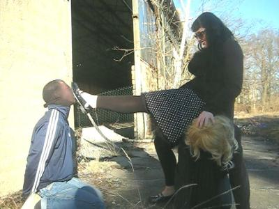 36958 - Outdoor Faceslapping & Ballbusting Training