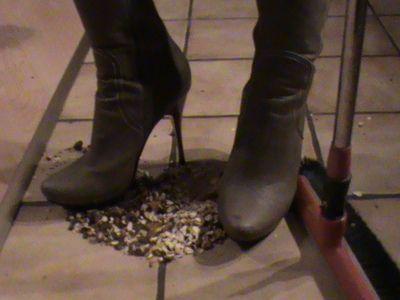 23428 - Cleaning Heels
