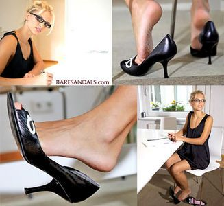 23412 - Angelina Secretary dangling in high heel pumps