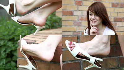 49932 - Selena's white high heel sandals