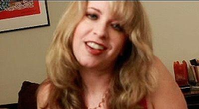 23801 - Miss Pandora's Lipstick Fetish