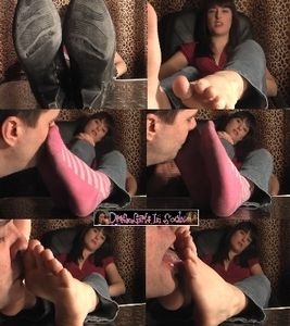 64376 - Uma's Foot Worship Lesson