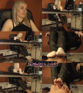 67307 - Cindy's Feet After Work