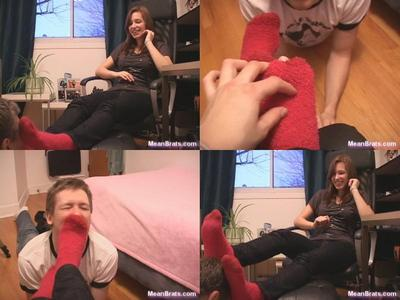 27331 - Hailey's Fluffy Socks!