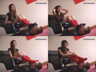55469 - Jenni's Dirty Little Foot Boy